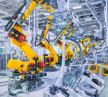 Als Partner der Industrie liefert Plastrance maßgefertigte Kunststoffteile für Maschinenabdeckungen.
