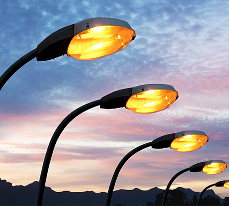Plastrance bringt seine Kompetenz in der Fertigung von Beleuchtungsteile aus Kunststoff ein: Leuchtenabdeckungen, Zierelemente, Scheiben für Innen- und Außenbeleuchtung.